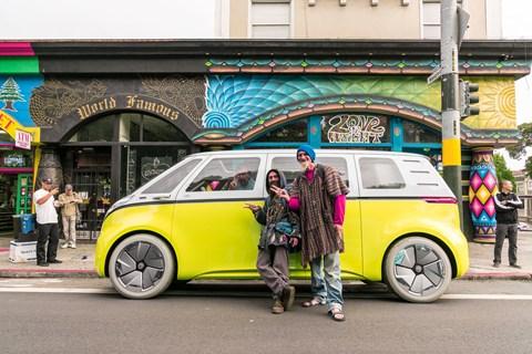 ID Buzz vs VW Microbus hippies