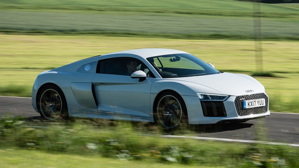 Audi R8 V10 Coupe 2017 Review