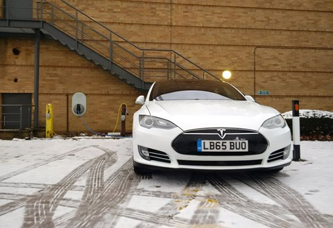 Tesla Model S in winter: how it performs in the snow