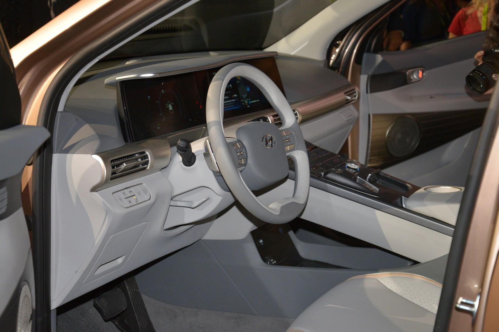 New Hyundai NEXO: hydrogen SUV heading for UK in January 2019 | CAR Magazine