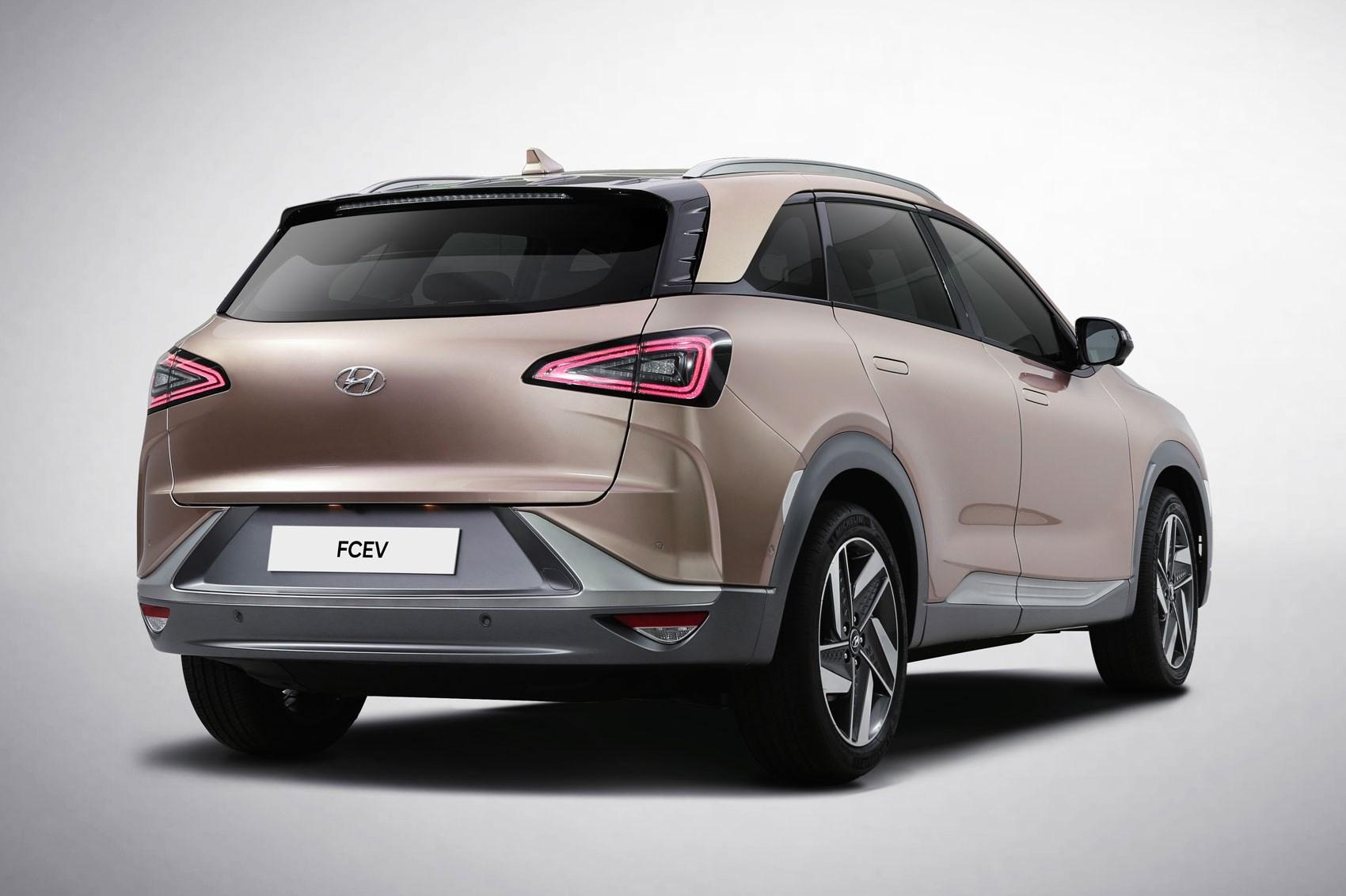 new hyundai nexo hydrogen suv heading for uk in january 2019 car magazine. Black Bedroom Furniture Sets. Home Design Ideas