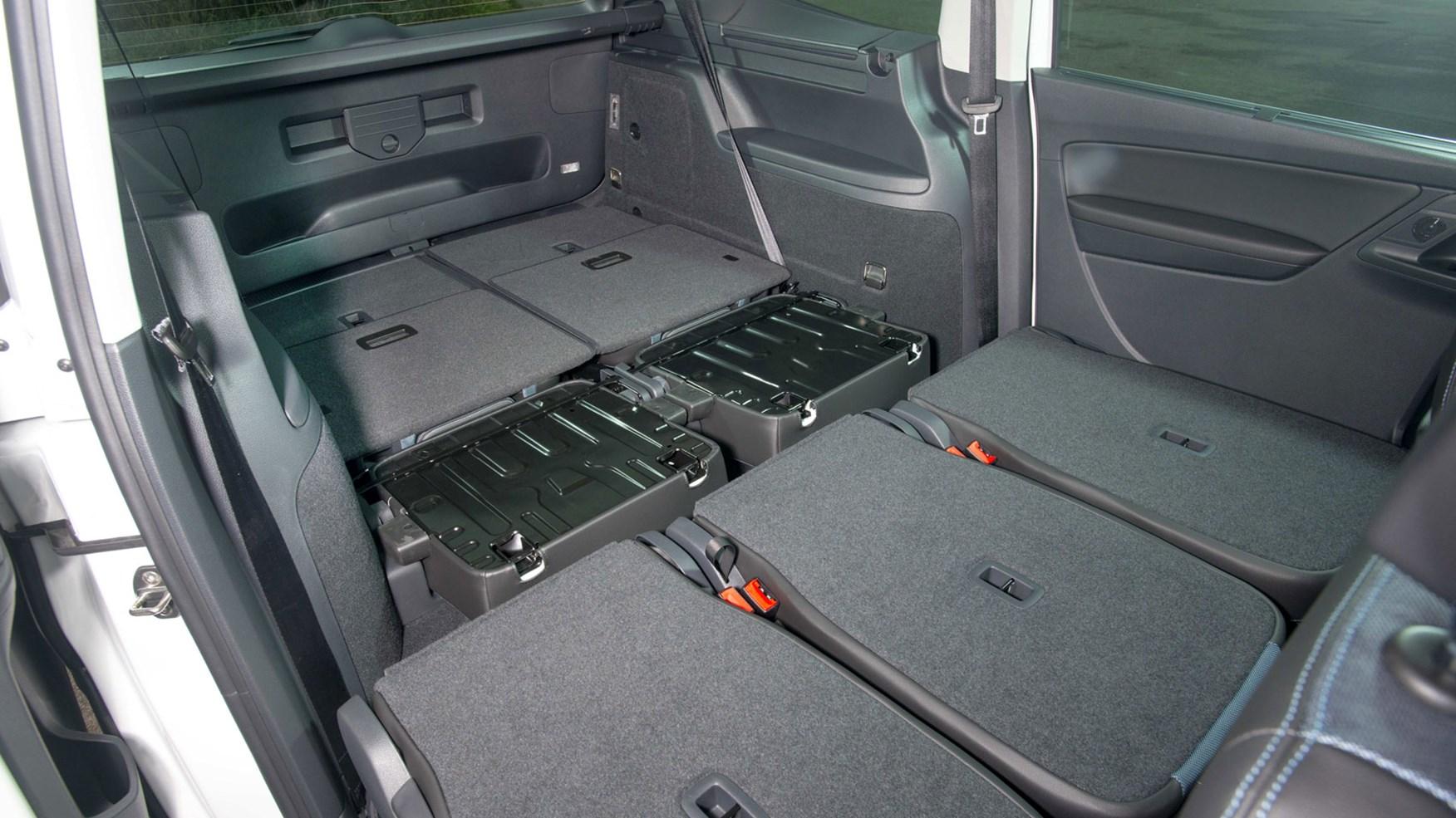 Seat Alhambra MPV (2018) review | CAR Magazine