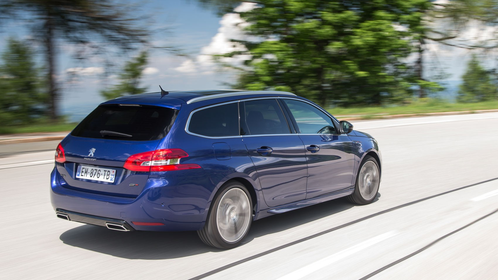 Peugeot 308 SW GT Line (2018) review | CAR Magazine