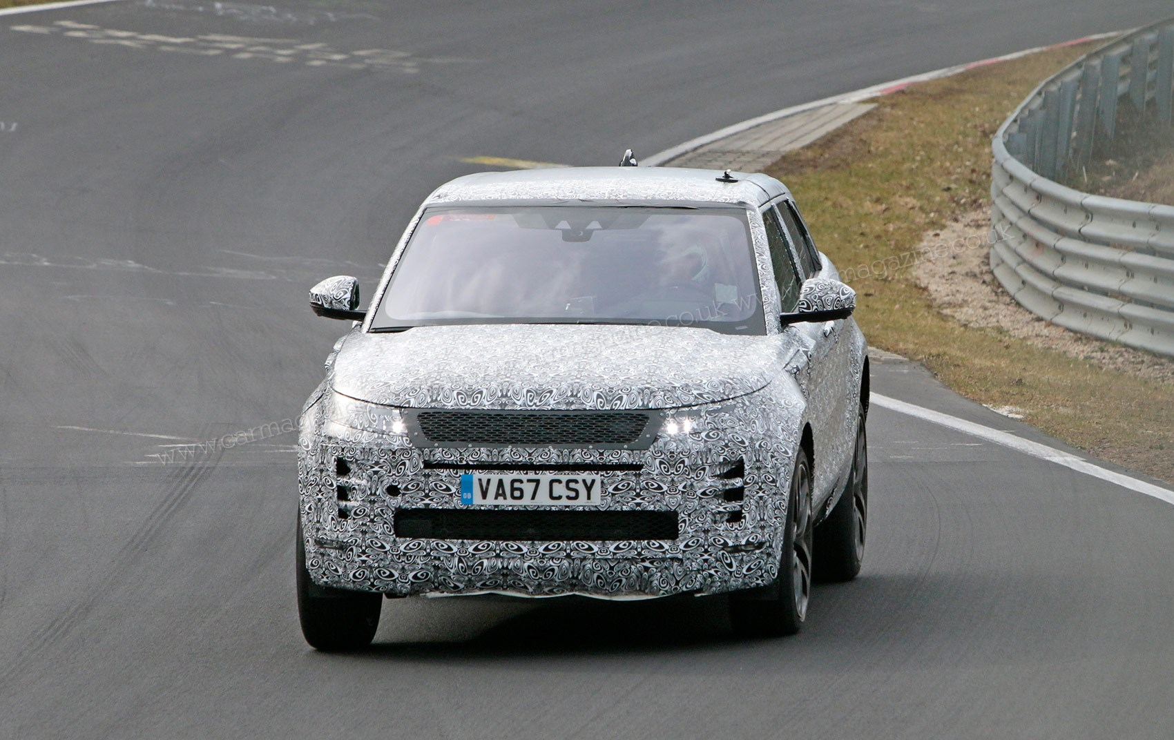 New 2019 Range Rover Evoque Spy Photos Specs Prices Car Magazine Putting The Control System Together Spu Design Has Now Been Is Testing At Nurburgring