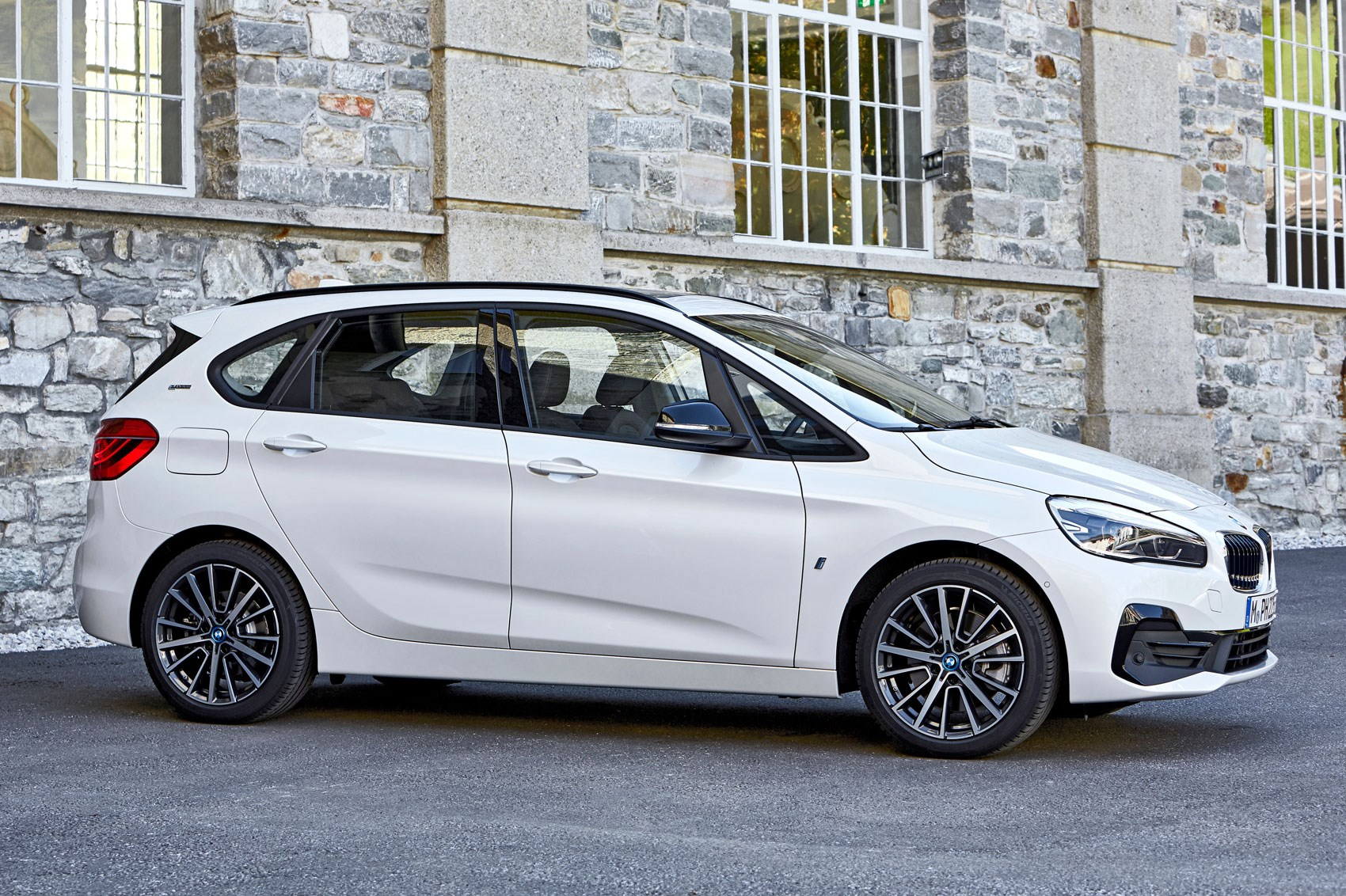 bmw 2 series active and gran tourer facelift revealed by car magazine. Black Bedroom Furniture Sets. Home Design Ideas