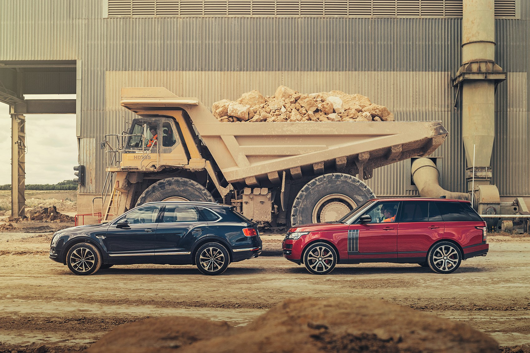 Bentley Bentayga Vs Range Rover Sva Dynamic Twin Test Review Car Magazine