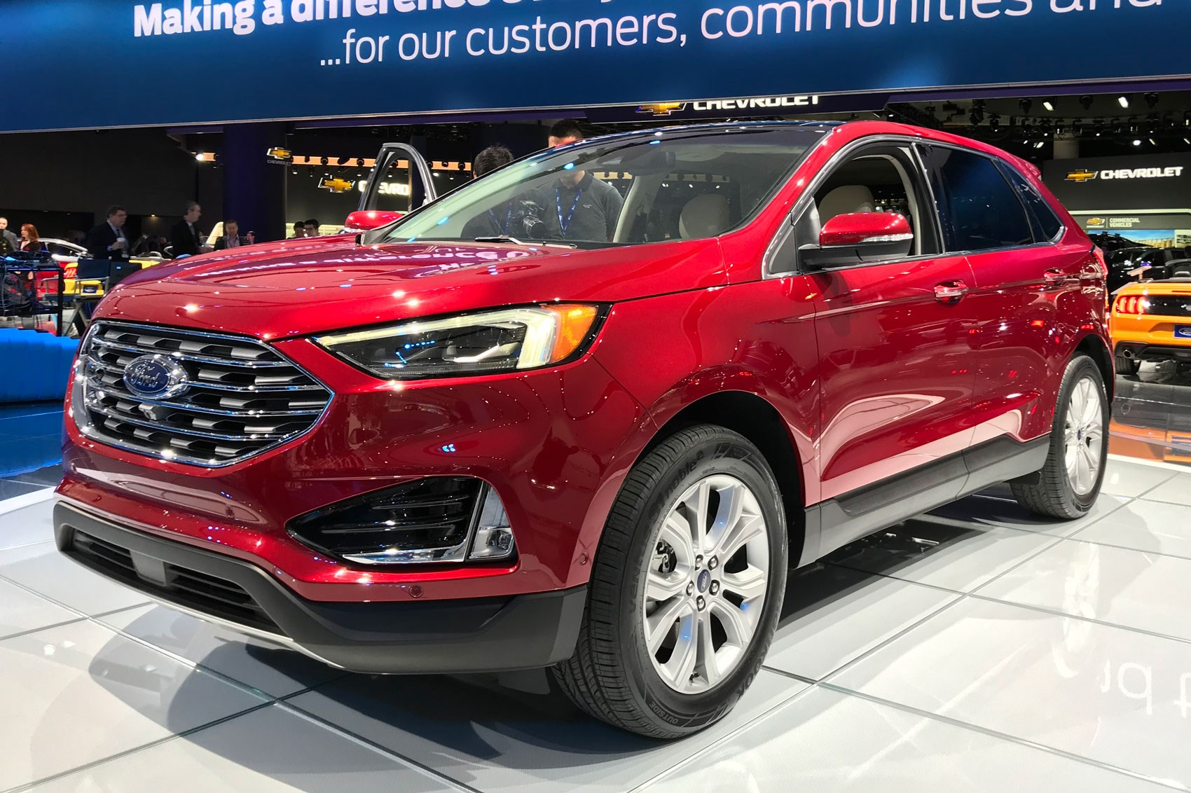 new ford edge updated suv arrives at geneva 2018 car. Black Bedroom Furniture Sets. Home Design Ideas