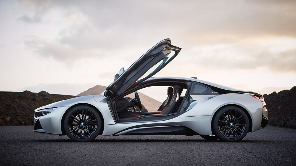 Gullwing Doors Remain On 2018 Bmw I8 Note New Coupe Branding C Pillar