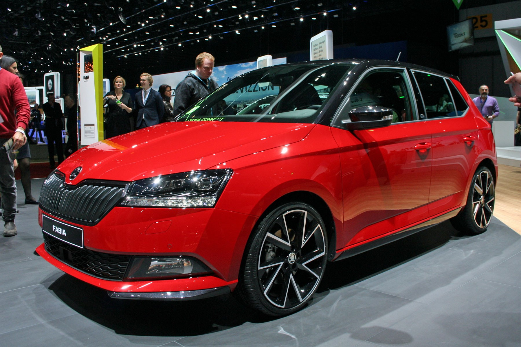 Skoda Rapid 2019 >> Skoda Fabia hatchback (2018) facelift: price, specs and interior | CAR Magazine