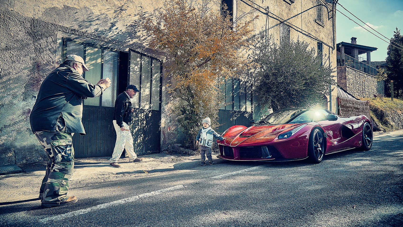 LaFerrari Aperta: a real hypercar - and great streetside theatre