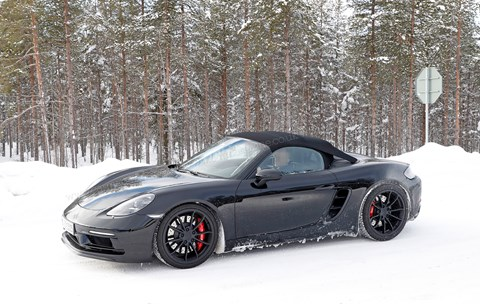 Porsche 718 Boxster Spyder: spy photos of new 2018 sports car