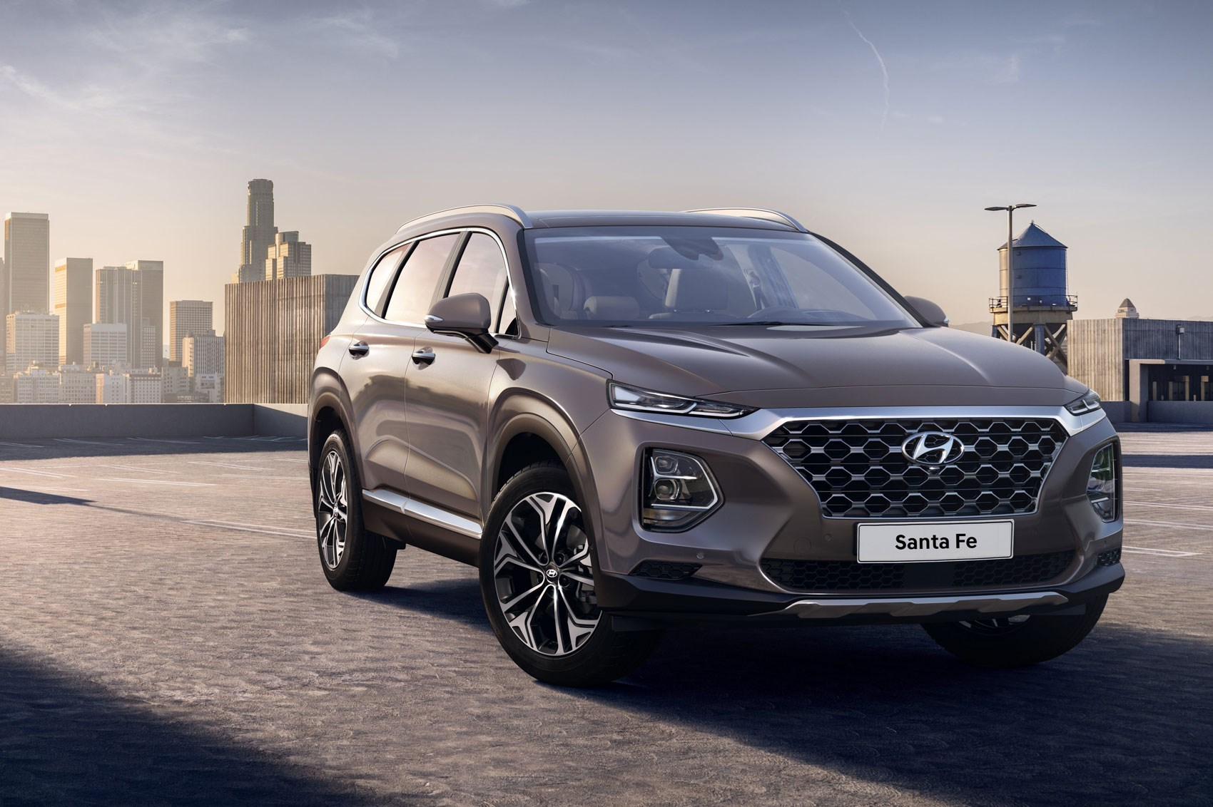 New Hyundai Santa Fe Suv First Pictures Drop Of Seven Seat 4x4