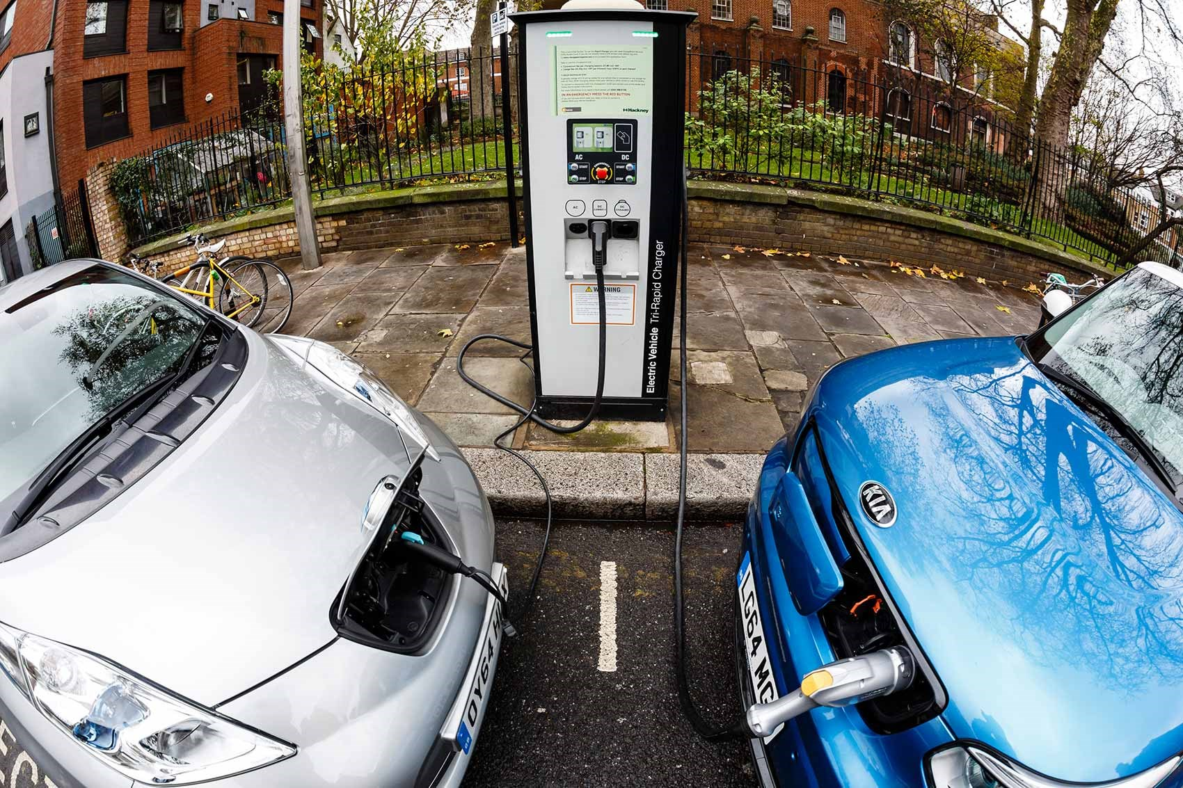 Electric Cars Charging Becoming Commonplace On Britain S Streets Soon Getty