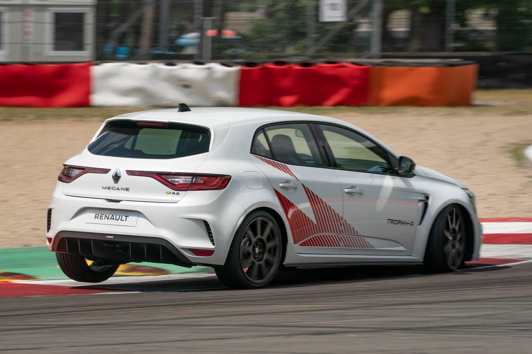 Megane RS Trophy rear cornering