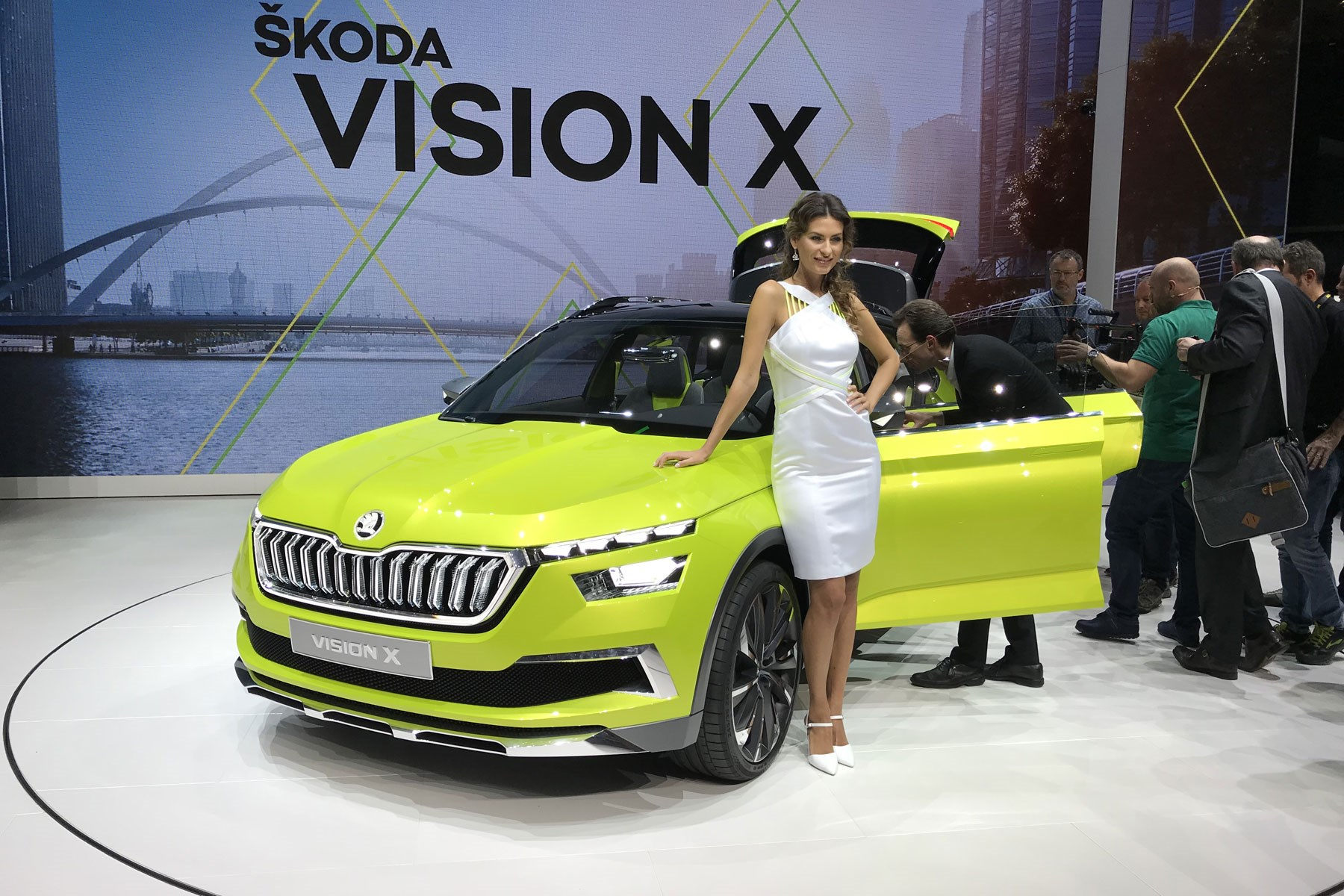 Skoda Vision X Concept Suv Pics Specs And Details Car