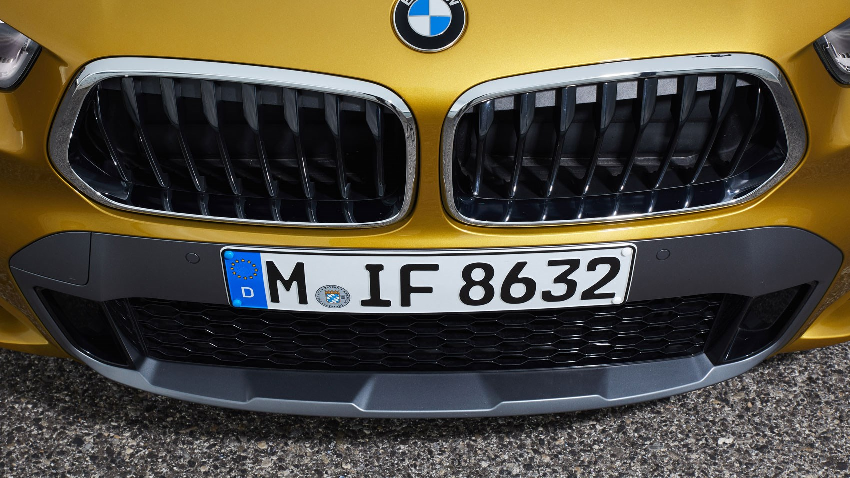 BMW X2 front detail