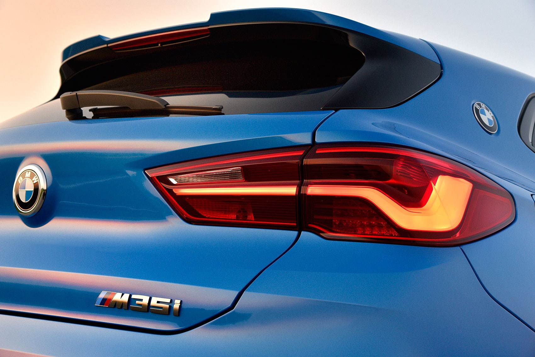 BMW X2 M35i badge