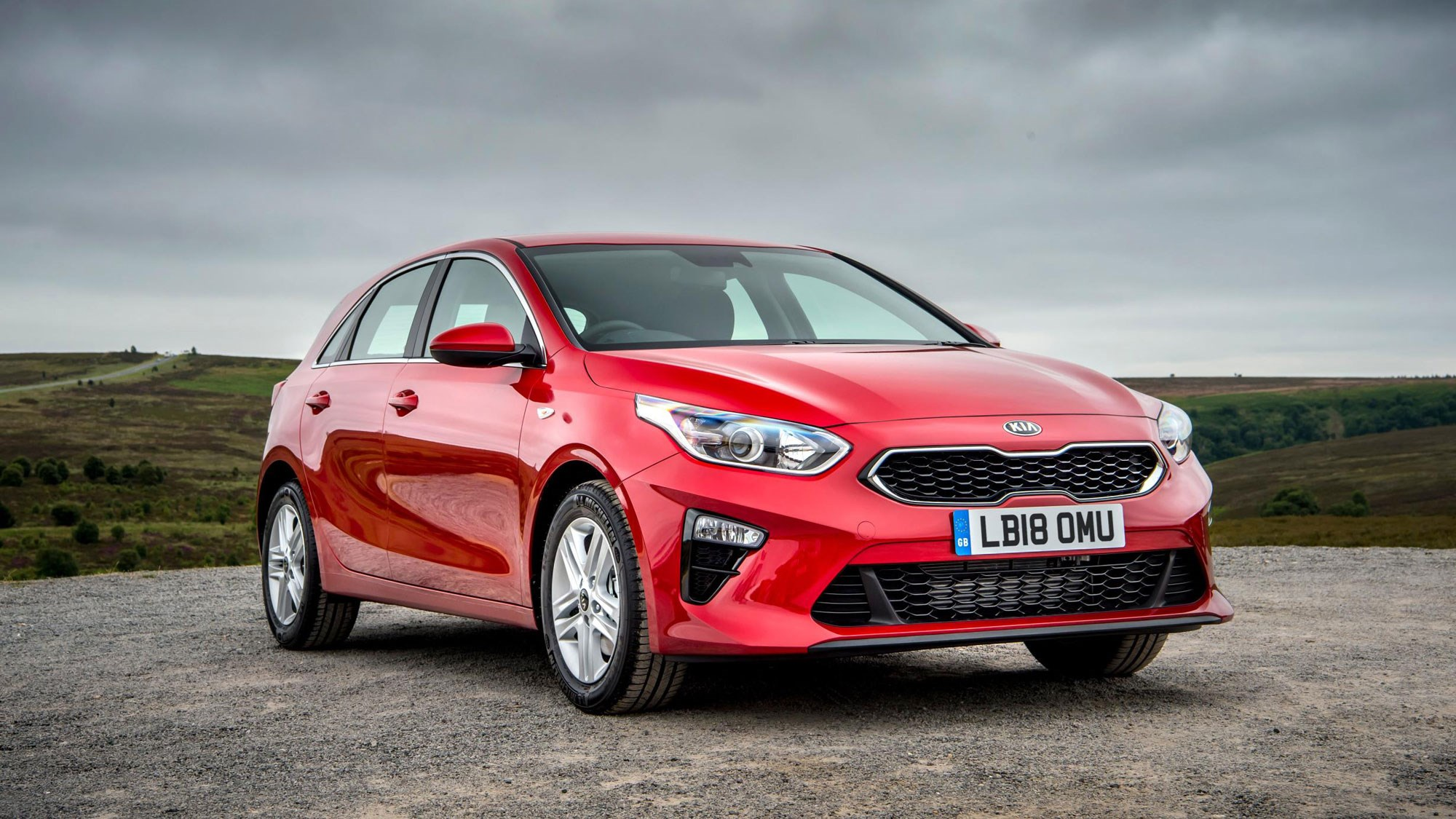 new kia ceed hatch: uk prices and specs revealed | car magazine