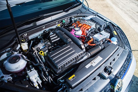 VW Golf GTE engine