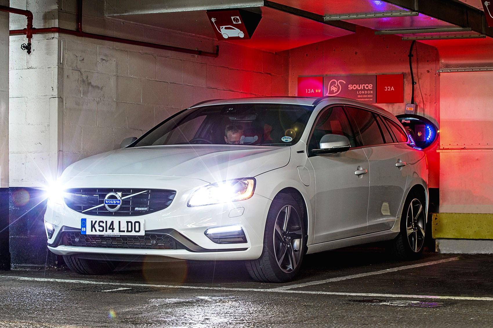 Volvo V60 Plug In Hybrid 2015 Long Term Test Review Car Magazine