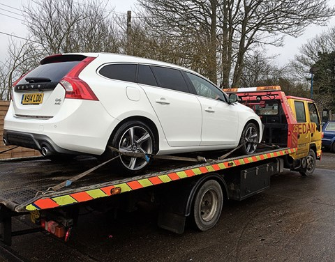 Our Volvo V60 PHEV was stricken by a flat tyre