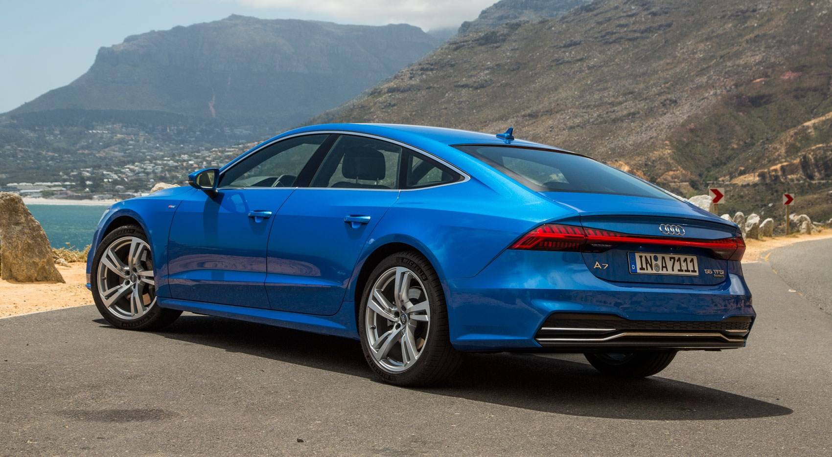 new audi a7 2018 review the sleek exec driven car. Black Bedroom Furniture Sets. Home Design Ideas