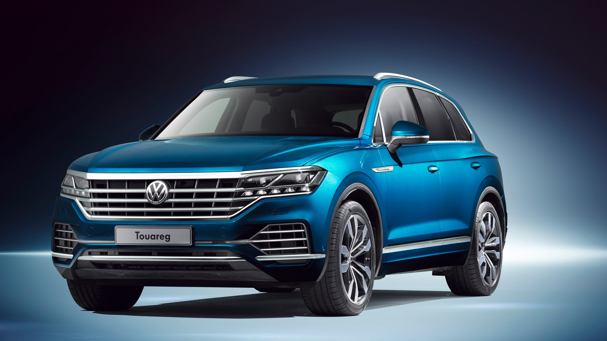 new vw touareg techy flagship suv revealed in beijing car magazine. Black Bedroom Furniture Sets. Home Design Ideas
