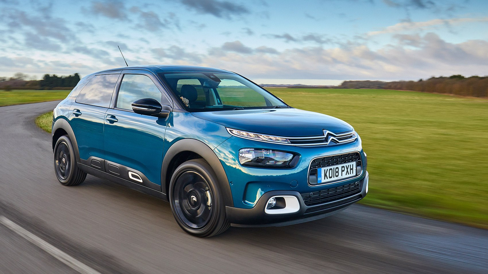 On the road in the new 2018 Citroen C4 Cactus: review, specs, prices, on sale dates