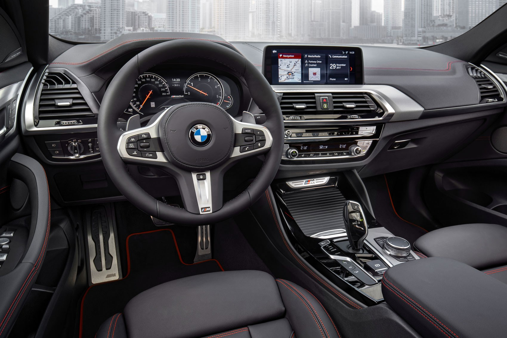 Generation x hot bmw x4 m40i coming to new york show for Bmw x4 interior