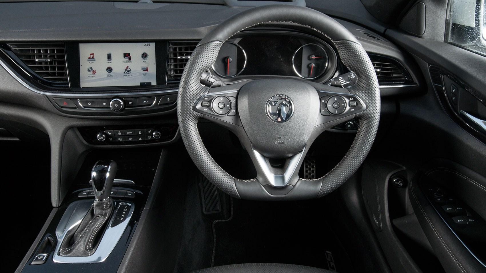Car Leasing Deals Uk >> Vauxhall Insignia GSi Sports Tourer diesel estate (2018) review: going old school | CAR Magazine