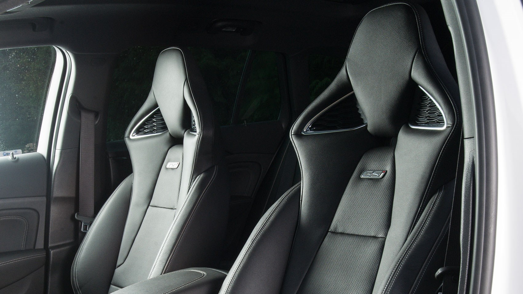 Insignia GSI front seats