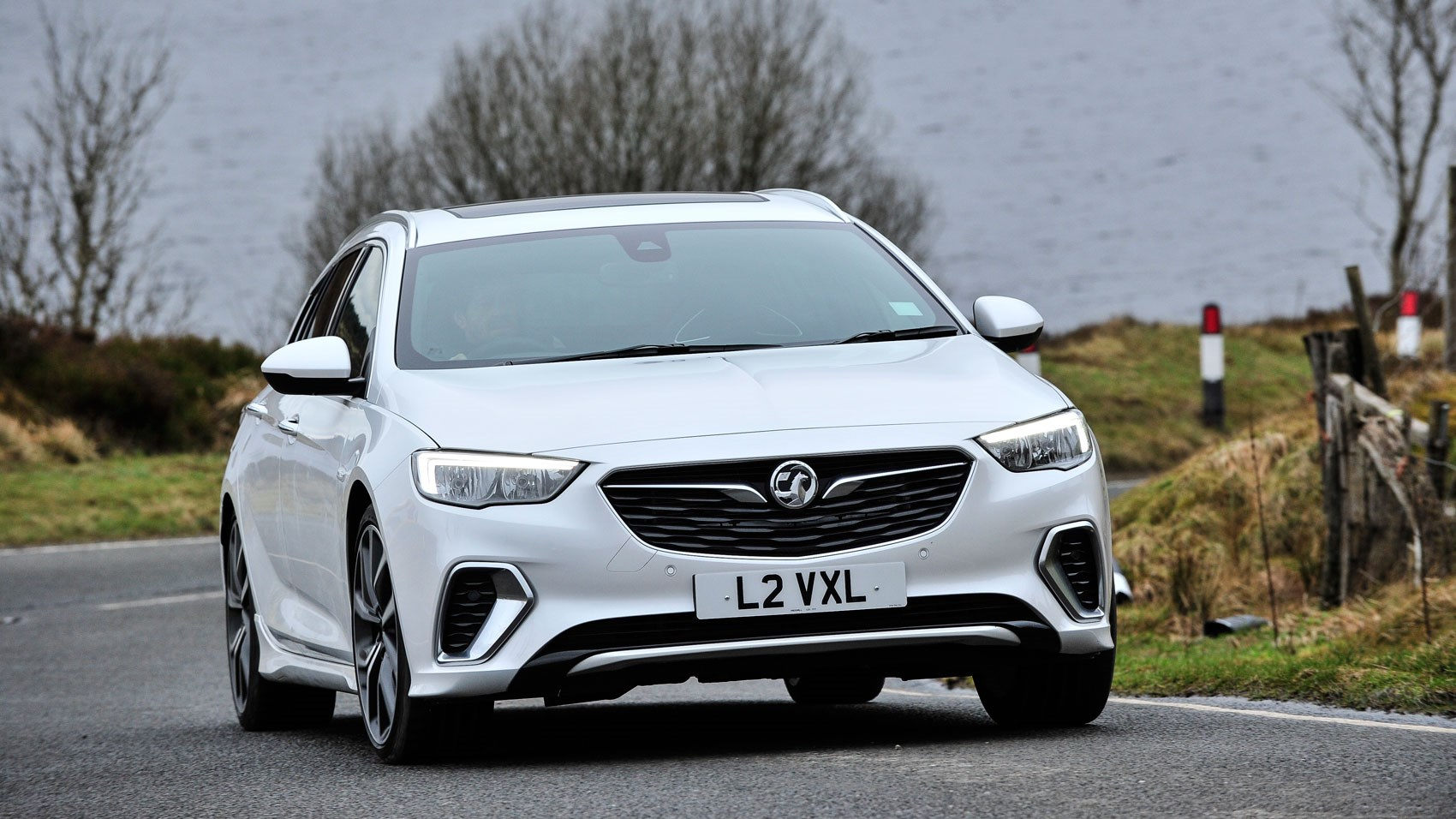 Vauxhall Insignia Grand Sport 2017 Review Car Magazine Opel Sports Tourer 2018 Gsi Front Cornering