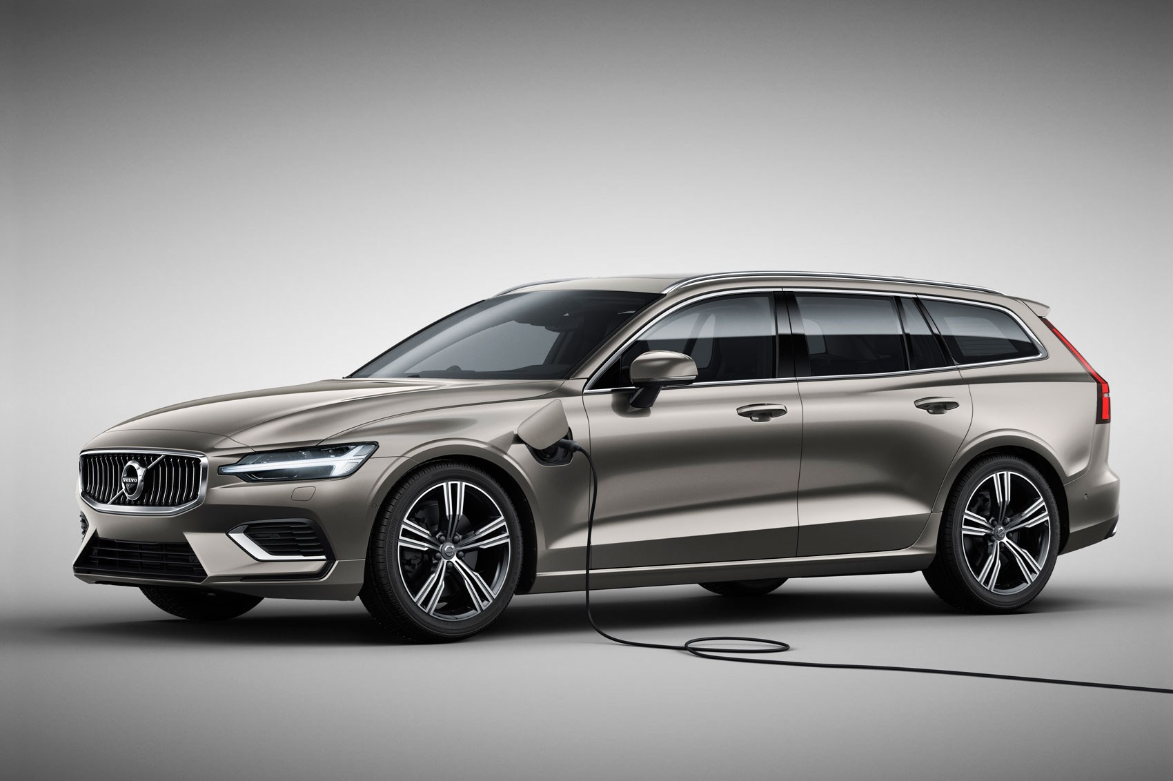 Volvo V60 2018 Release Date >> Volvo V60 estate (2018): interior, UK price and release date | CAR Magazine