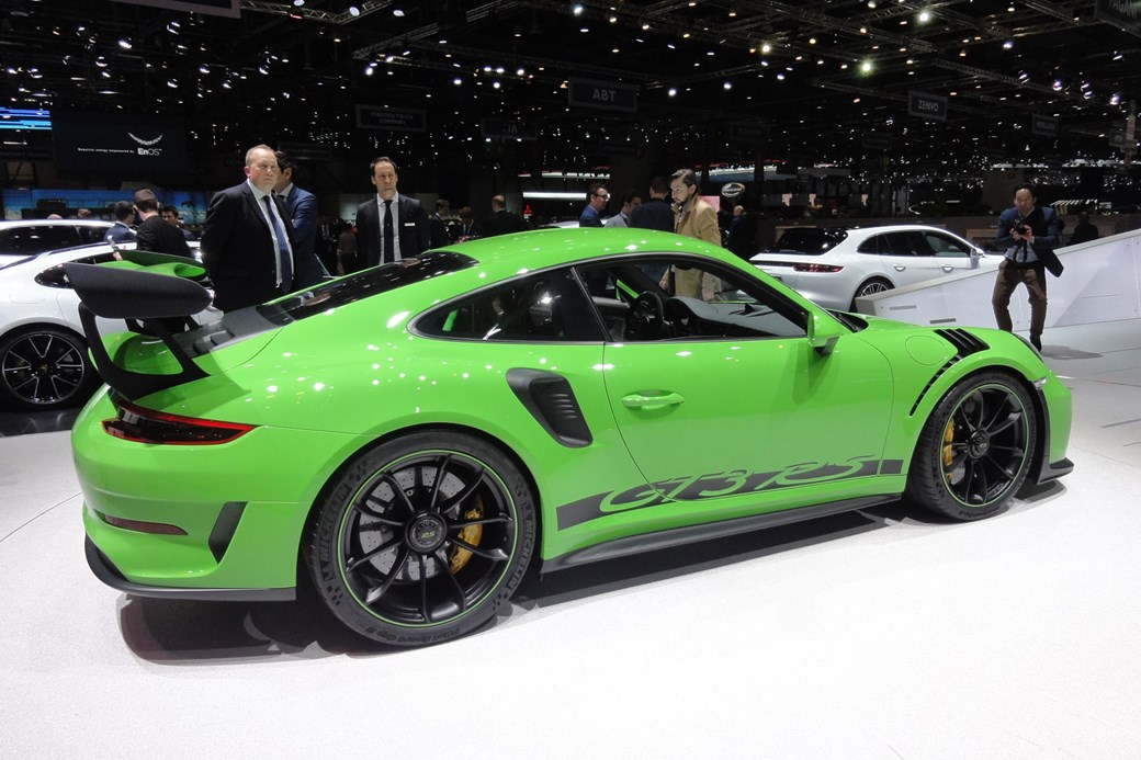 New Porsche 911 GT3 RS: go onboard for a sub-7 minute lap of the ...