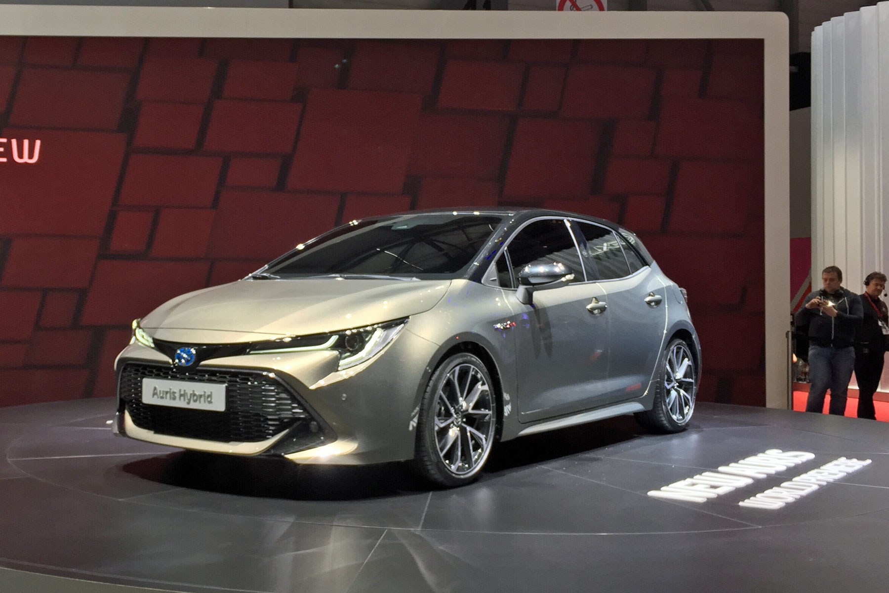 New Toyota Auris Uk Price Specs Sale Date Hybrid
