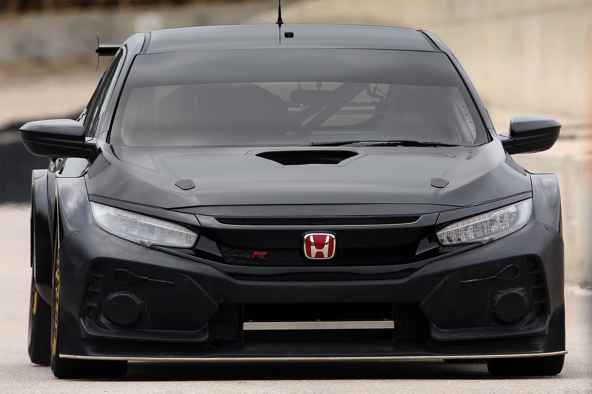 the new btcc spec 2018 honda civic type r looks incredible car magazine. Black Bedroom Furniture Sets. Home Design Ideas