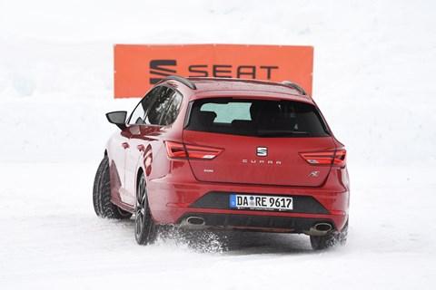 Seat Leon Cupra red rear cornerinh
