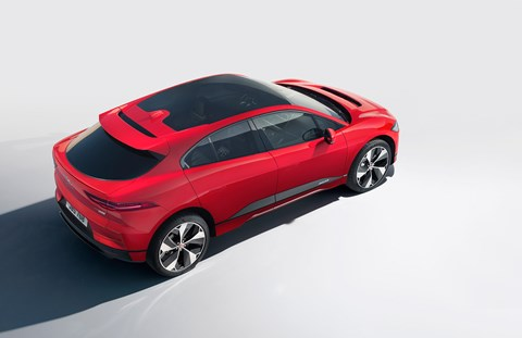 Long sunroof: Jaguar i-Pace