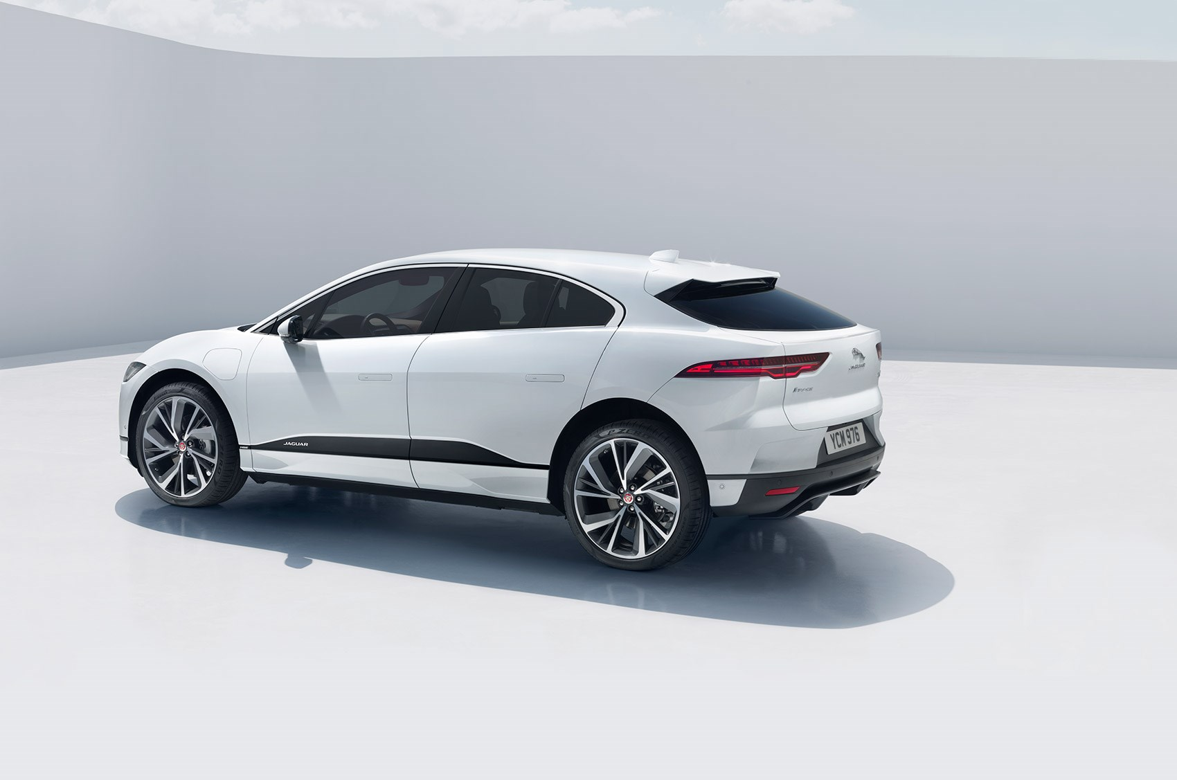 Jaguar I Pace Electric Suv News Specs Prices Uk On Sale Dates