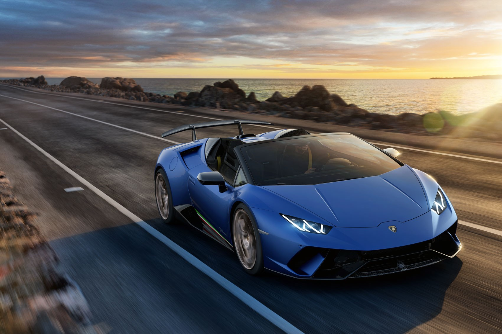 Lamborghini Huracan Performante Spyder Drops Its Top in Geneva