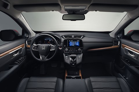 Honda CR-V 2018 interior - dual 7.0-inch screens ahoy