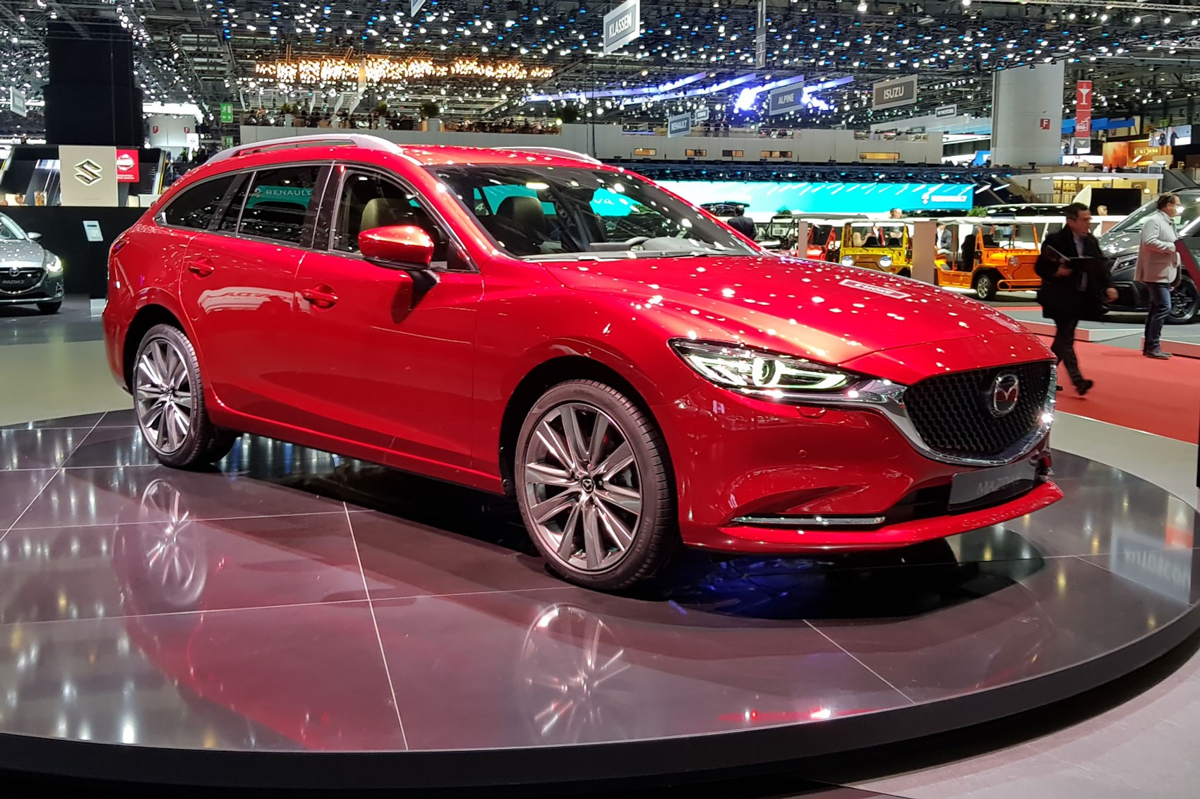 Mazda 6 Tourer updated for 2018, but we can't tell the ...