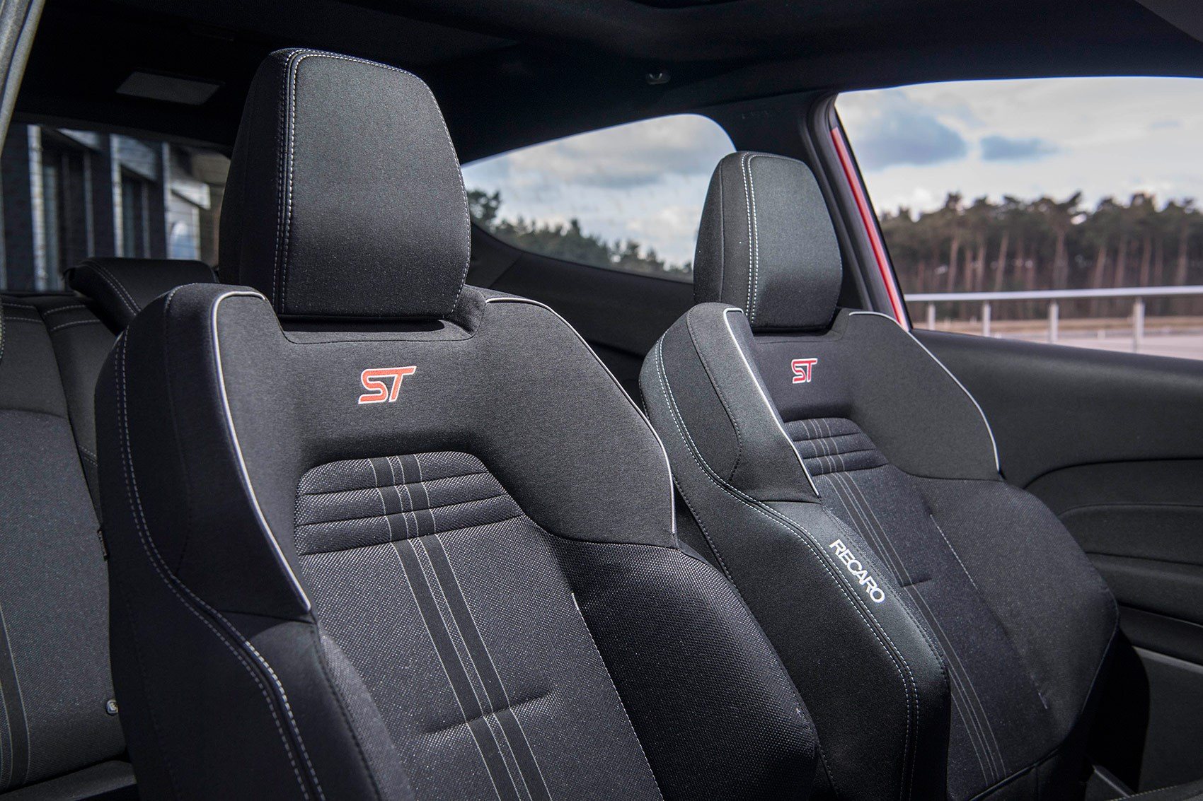 Proper Recaro bucket sports seats for new 2018 Ford Fiesta ST