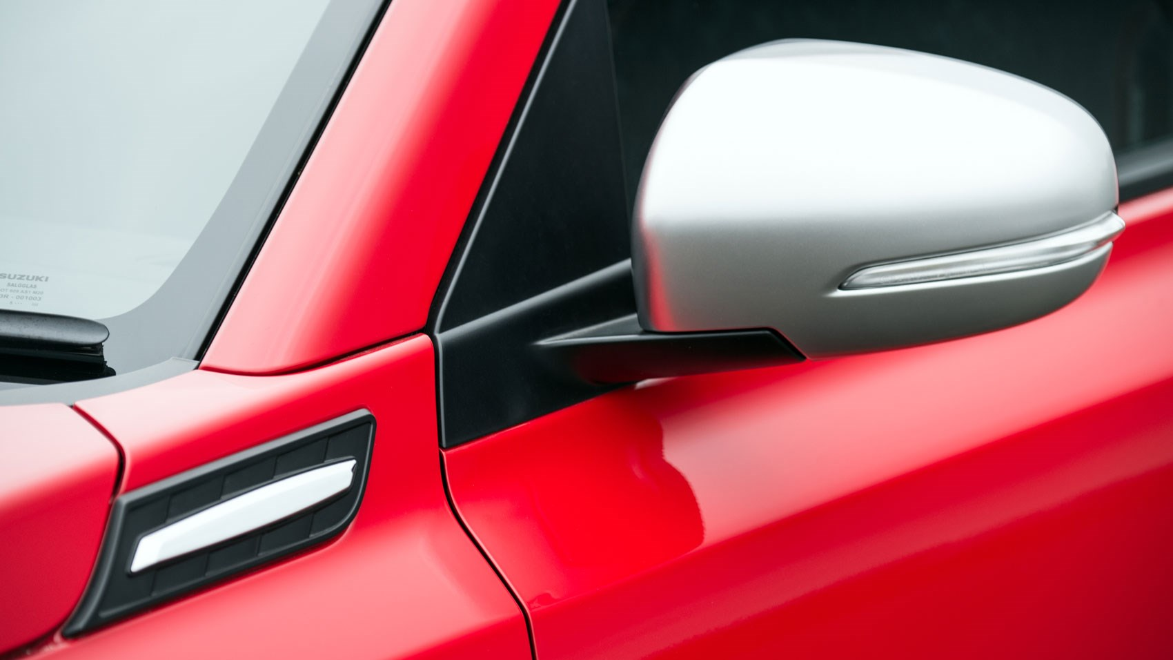 Suzuki Vitara S door mirror