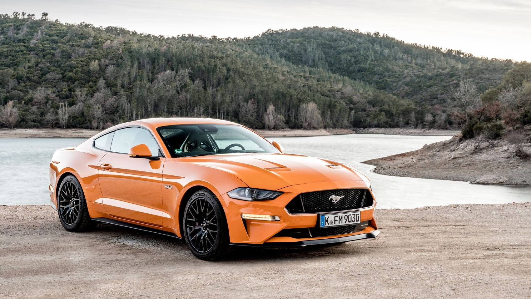 ford mustang gt 2018 review more of everything is a. Black Bedroom Furniture Sets. Home Design Ideas