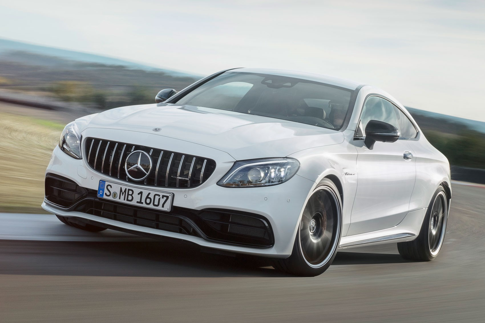 v8 update facelifted mercedes amg c63 s revealed at nyias. Black Bedroom Furniture Sets. Home Design Ideas