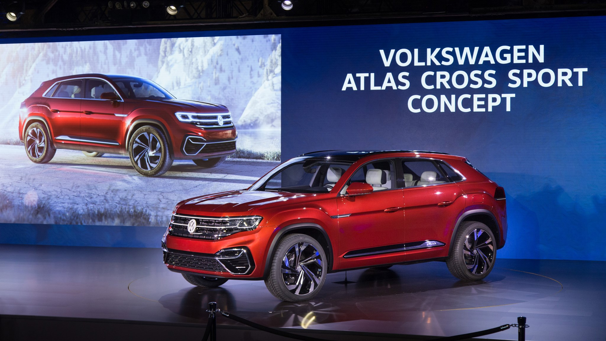 Five-seat VW Atlas Cross Sport concept takes on NYIAS 2018 | CAR Magazine