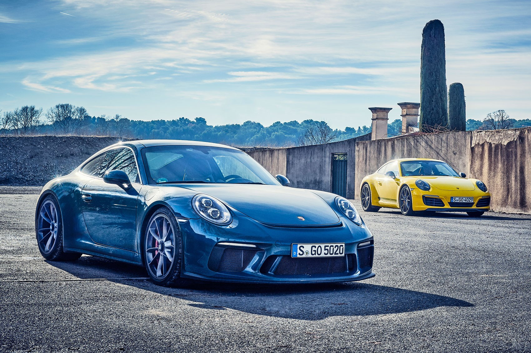 Porsche 911 Carrera T Vs Gt3 Touring 2018 Twin Test