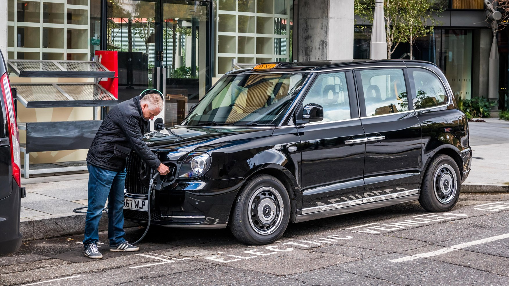 How Much Is Car Insurance A Month >> LEVC TX review: London's new electric taxi driven | CAR Magazine