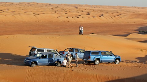 VW Amaroks stuck in the Omani desert